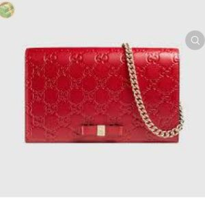 24 hour sale!!!Authentic signature red gucci purse